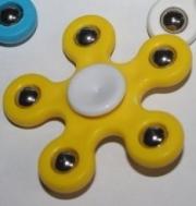 Spinner ( Спиннер ) с металлическими шариками желтый